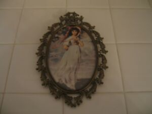 Beautiful Vintage Ornate Filigree Oval Gold Metal Frame With Pinky Italy