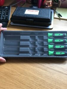 Snap On Pick Set 4 Piece Extra Long In Green New