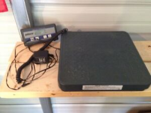 Pelouze 4010 150 Lb Scale With Power Adapter hard Case And Extra Read Out