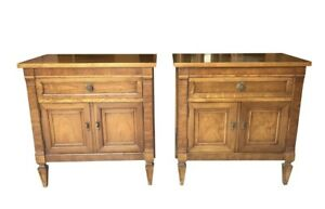 Pair Of Vintage Thomasville Cherry Night Stands End Tables