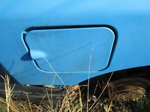 Suzuki Sidelick Geo Tracker Fuel Access Door Gas Lid White 1990 98 Light Blue