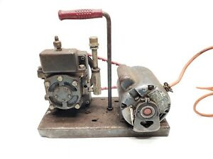 Welch Duo seal Belt driven Vacuum Pump Working