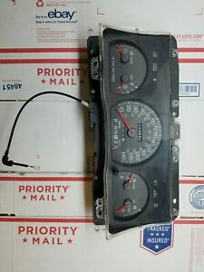 2004 Ford Crown Victoria Speedometer Cluster