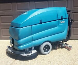 Tennant 5680 32 inch Disk Automatic Floor Scrubber Reconditioned