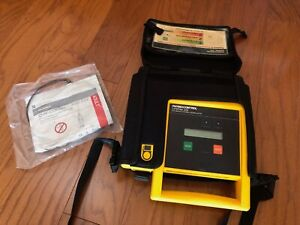 Medtronic Physio Control Biphasic Lifepak 500 Defibrillator No Battery Adult Pad