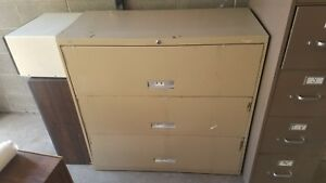 Hon 3 drawer Lateral File No Key
