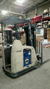 Crown Rc5530c 30 Counter Balance Forklift Newark Ohio Electric 36 Volt Battery