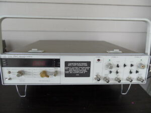 Hewlett Packard Hp 5328a Universal Counter Powers Up For Parts