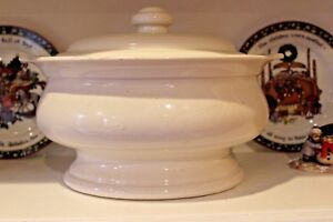 Vintage White Ironstone Soup Tureen Pfaltzgraff Hearth Pattern Discontinued