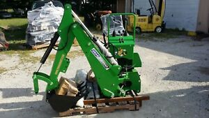 3 Point Backhoe 7600 Green 8 foot Excavator With Free Pto Pump