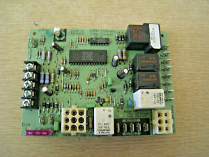 Evcon 23if 2 green 2702 310 a Green York Coleman Furnace Control Board Used