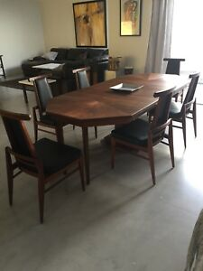 Foster Mcdavid Mid Century Walnut Dining Room Set With 6 Chairs