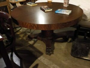 Antique Victorian Tiger Oak Dining Table With Lion Paw Base