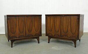 Pair Of Mid Century Modern Broyhill Brasilia Walnut Nightstands