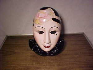 2 Pc N A Ceramics Art Deco Harlequin Camellia Gold Mask With Hand Stand Nr