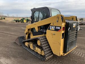 Caterpillar 239d Skid Steer Compact Track Loader