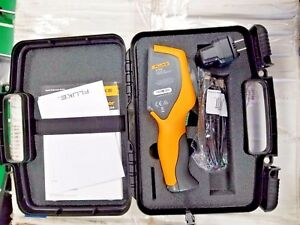 New Fluke Vt04 Ir Thermometer With Carrying Case New W o Box