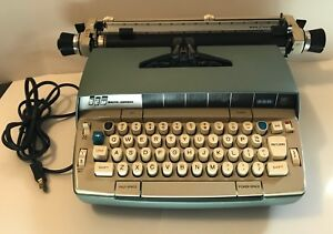 Vintage Smith Corona Electric 250 Mark Ii Typewriter Tested Comes With Cover