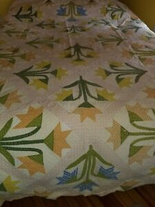 Vintage Antique Hand Sewn Applique Tulip Quilt 86 X 66 Perfect For Spring
