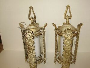 Vintage Gothic Spanish Revival Medevil Tudor Iron Metal Gold Wall Light