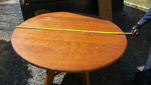 Hunt Country Furniture Round Dining Table