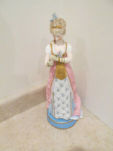 S38 Antique Figurine Bisque Porcelain Statue China Lady Beautiful Dress German