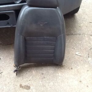99 04 Mustang Gt Upper Front Seat Right Side Leather Midnight Black