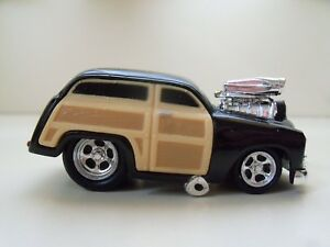 Muscle Machines 1950 50 Ford Woody Wagon Supercharged 164 Loose