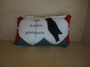 Primitive Pillow Tuck Quilt Stitched Feather Tree And Black Crow
