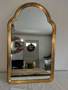 Gorgeous Large Gilt Wood Arched Scalloped Top Mirror Made In Italy
