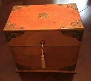 Antique English Victorian Oak Traveling Tantalus Liquor Box With Decanters
