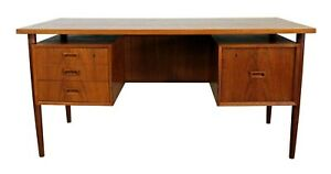 Mid Century Danish Modern Arne Vodder Style Bornholm Floating Top Teak Desk