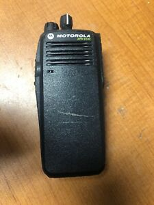 Motorola Xpr6100 Two Way Radio Aah55qdt9ja1an With Battery