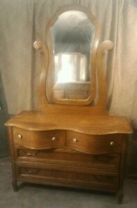 Vintage Pulaski Furniture Keepsakes Collection 50 Golden Oak Dresser W Mirror
