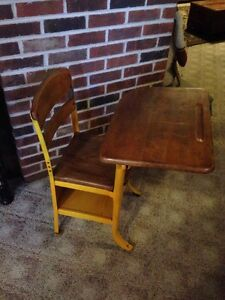 Vintage Childrens Metal And Wood School Desk With Cubby Local Pick Up Only Ohio