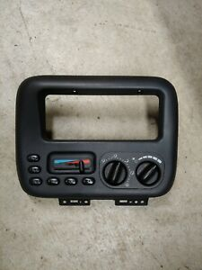 2000 Dodge Chrysler Caravan Plymoth Center Bezel Ac Control P04677915ab Oe