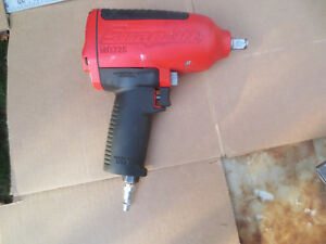Snap on Tools 1 2 dr Heavy Duty Impact Air Wrench Mg725 Great Working Order