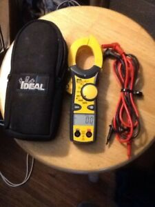 Mutimeter Ideal 61 744 Nvc 600 Volt Version Clamp Meter With Case And Leads