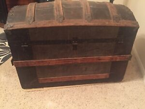 Antique 1800s Steamer Trunk Vintage Humpback Stagecoach Chest W Tray
