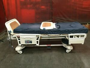Stryker Secure Ii Roiling Electric Hospital Medical Surgical Patient Bed Lot 2