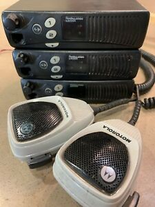 Motorola Radius Sm50 Mobile Radio Two Way M34dgc20a2aa Uhf Lot Of 3 W 2 Microph