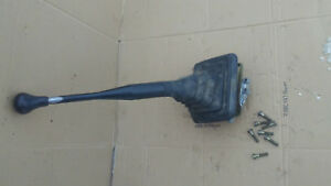 97 95 96 Ford Truck Bronco Pickup F 250 Zf 5 Speed Shifter Base Boot Handle Knob