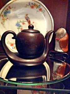 Vintage Chinese Yixing Zisha Clay Tea Pot Signed On Pot And Lid