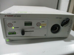 Stryker X7000 Endoscope Light Source Parts Powers On