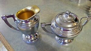 Vintage Universal Usa Silver Plate Cream And Sugar Hollowware Laurel Design