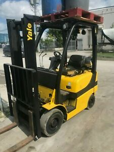 2008 Yale Forklift Fork Lift Solid Pneumatic Tires 2 Stage Lp Glp040svxnurv084