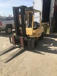 Hyster model H60xm Propane Powered Forklift Extra Wide Forks