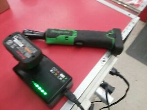 Snap On Ctr761cg 14 4v 3 8 Drive Lithium Ratchet With 2 Battery And A Charger