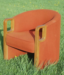 Mid Century Modern Barrel Back Club Chairs With Bentwood Arms