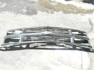 1995 2000 Chevrolet Tahoe Silverado 1500 Front Grille Painted 15981093 Oem